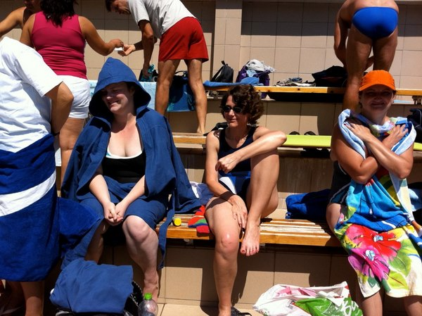 fete in tribuna in timpul concursului . Gyula 2011